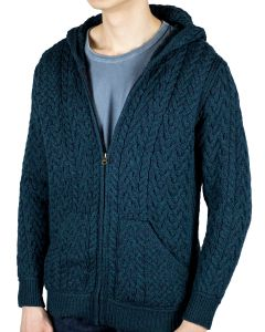 "Zane wearing L hoodie. He is 6'1"", 170 lbs (187 cm, 77 kg) and wears 40L in suits."
